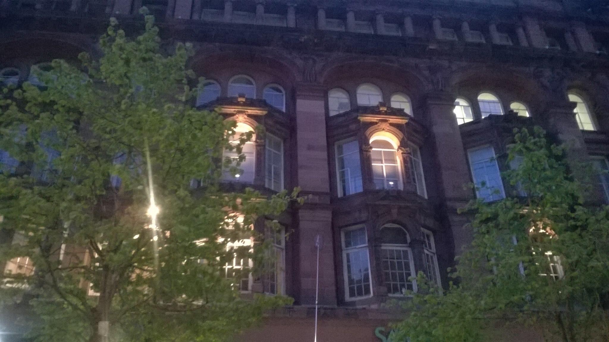 Photos at night in Glasgow, Scotland